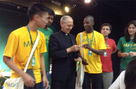 "Superior General of the Jesuits encourages youth to be ""Ignatian people"""