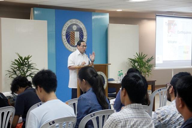 "Ateneans learn about ""green structures"""