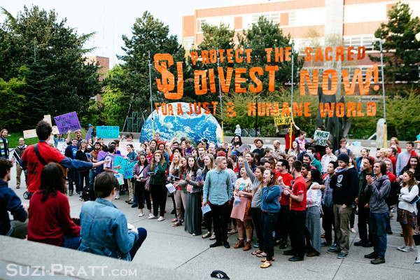 Seattle U rallies for fossil fuel divestment