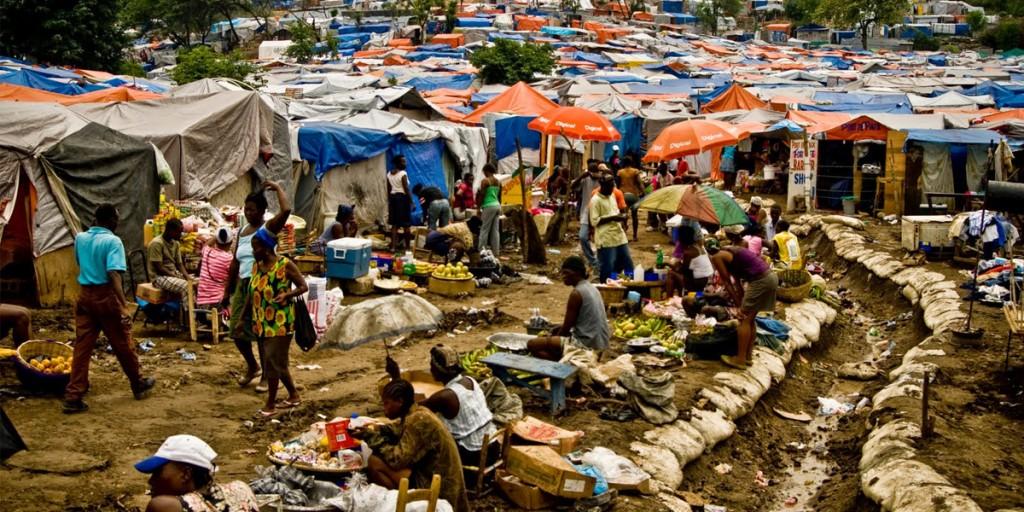 "Desplazados de América Latina ""Displaced in Latin America"""