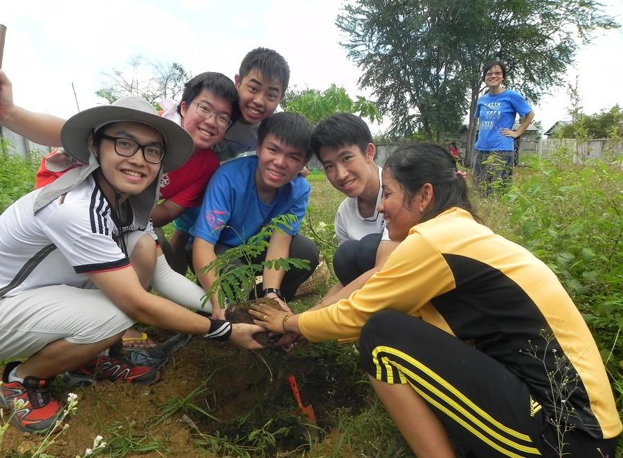 Wah Yan Hong Kong students visit