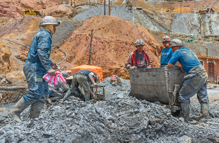 Canadian Catholics support new office to oversee global mining interests