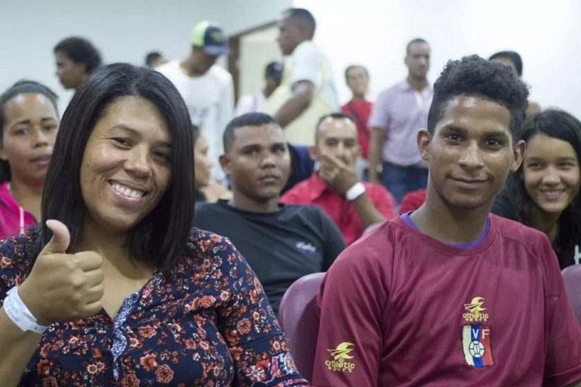 Migrantes venezolanos son acogidos en Unicap