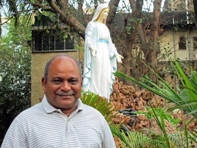 "Una parroquia ""verde"" en el corazón de Mumbai – P. Vincent Vaz, SJ (Jesuits Colombia)"