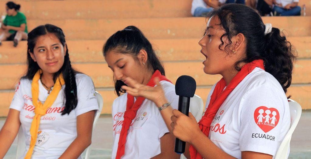 """Los jóvenes dicen """"ya basta de contaminar a la casa común"""" – Fe y Alegría Ecuador"""