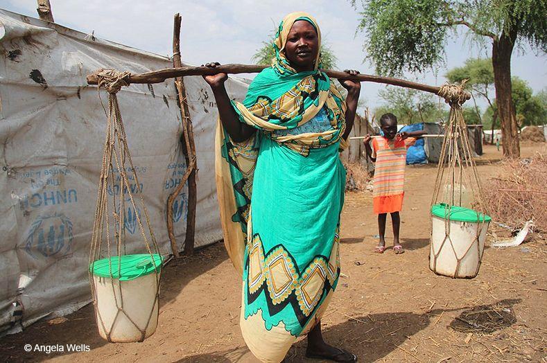 Abrir un grifo y obtener agua potable, un gesto cotidiano imposible para 2.100 millones de personas – Entreculturas