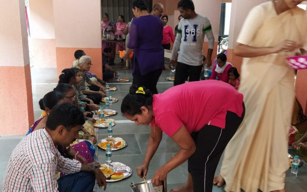 Andheri East parishes sharing meals with the poor of all faiths – Fr. Vincent Vaz SJ